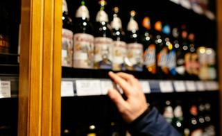 Zarząd wspólnoty nie może zabronić sprzedaży alkoholu
