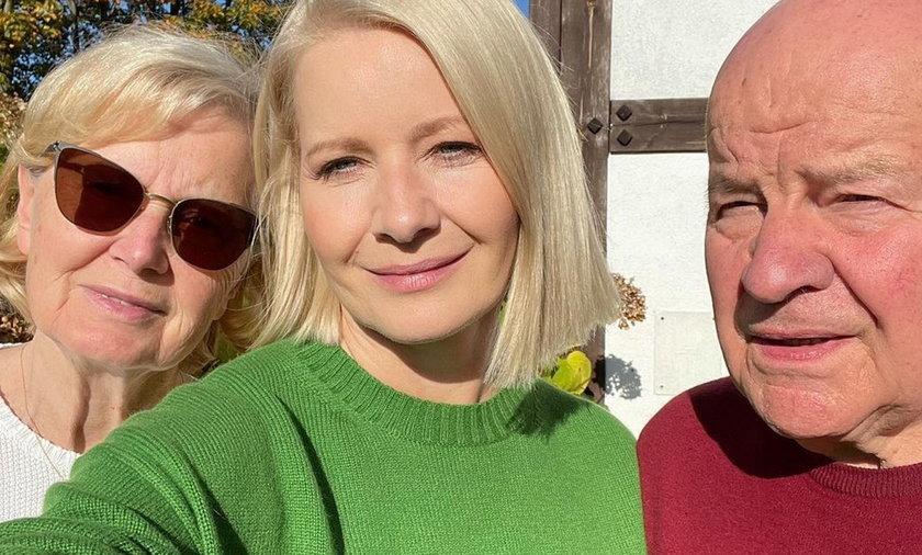 Małgorzata Kożuchowska z rodzicami.