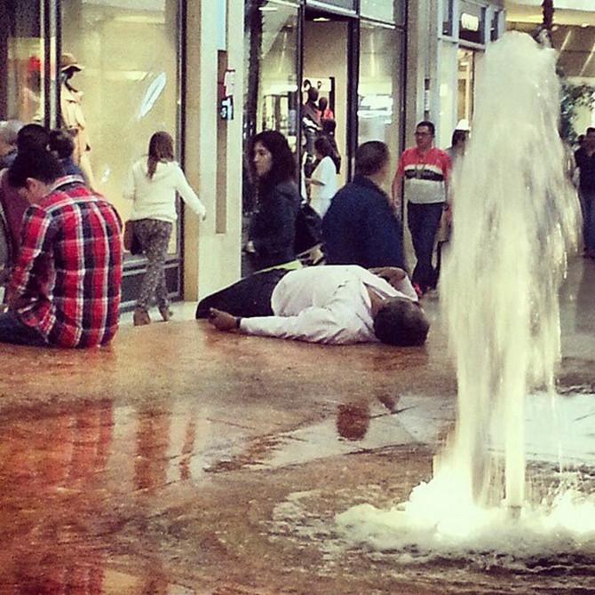 Pao je u nesvest čekajući da supruga završi kupovinu