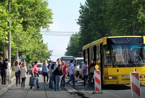 Gužve na stanicama i autobusima