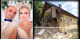 Gdy Ela i Adam bawili się na weselu, ich dom eksplodował. Zostały im tylko ślubne stroje i obrączki