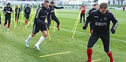 Polonia trenuje dwoma piłkami