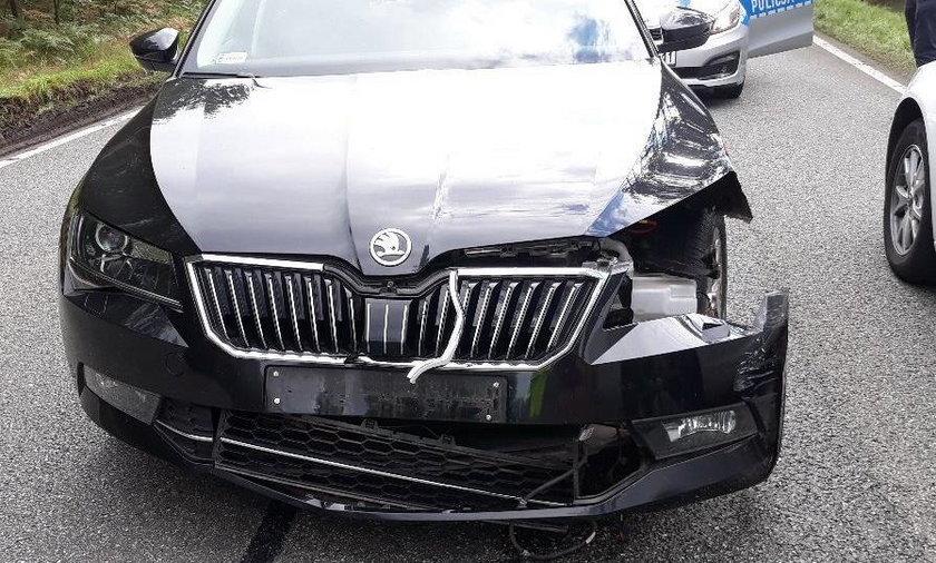 Rozbita limuzyna Jacka Kurskiego