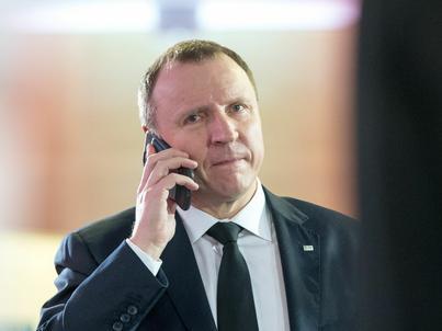 Jacek Kurski musi zmierzyć się z trudną sytuacją finansową TVP