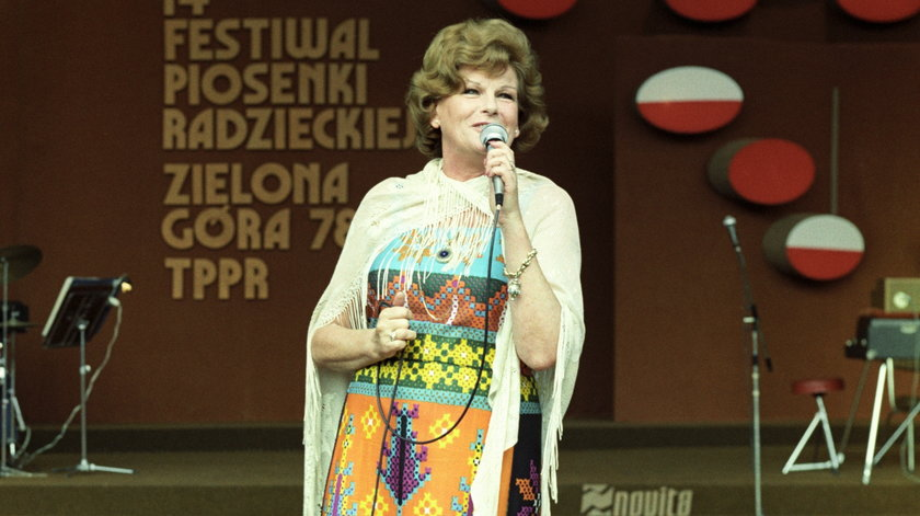 Jej utwory nuciła cała Polska. Kim była Maria Koterbska?