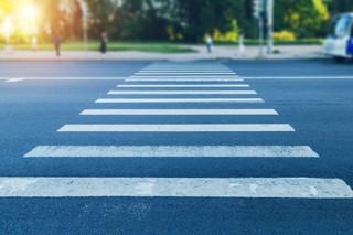 Senacka Komisja Infrastruktury pozytywnie o noweli wprowadzającej zasadę pierwszeństwa pieszych przy wchodzeniu na pasy