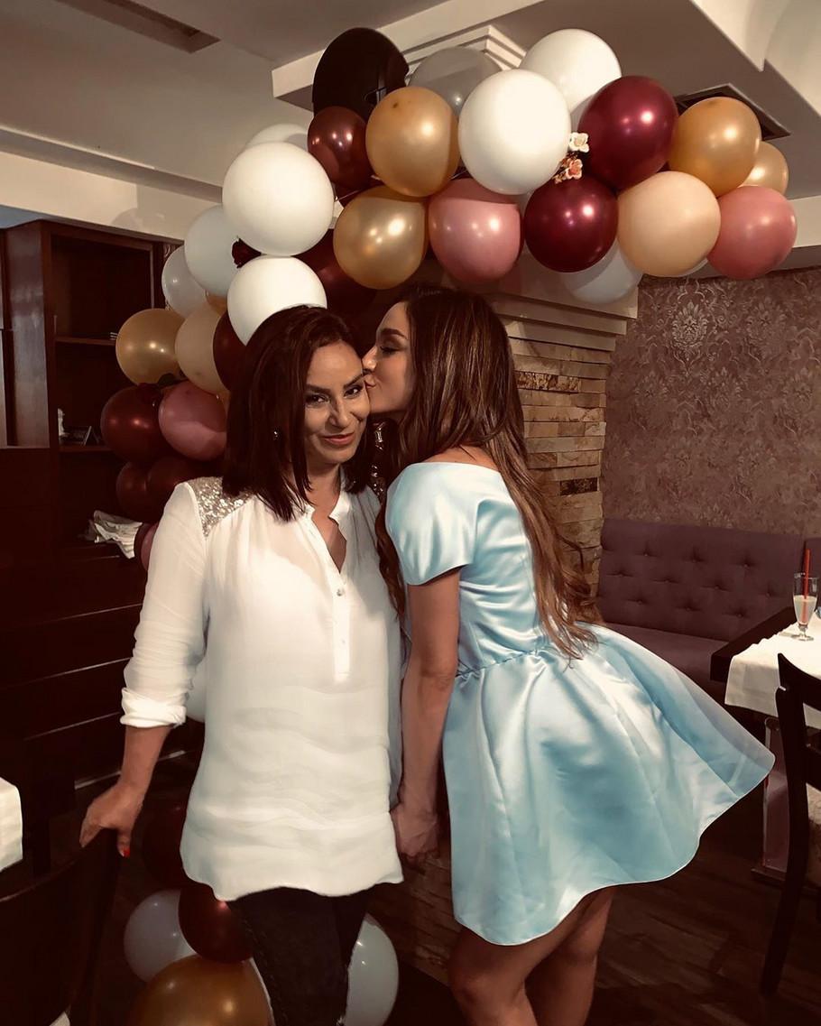 Edita Aradinović sa majkom