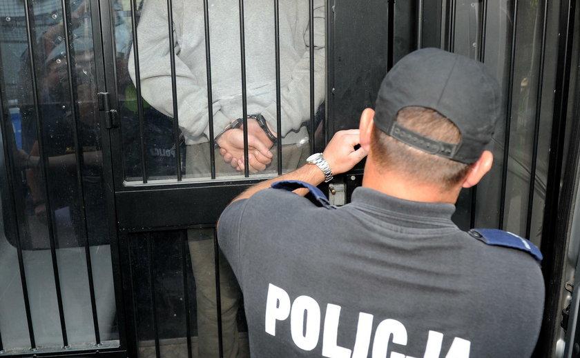 Warszawa: Fałszywy policjant wyłudził 700 tys. zł. Oszust wpadł w zasadzkę