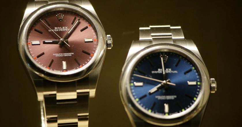 Na koszt na luksusowych zegarków składa się wiele czynników