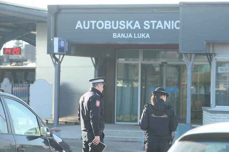 autobuska-stanica-banjaluka-policija