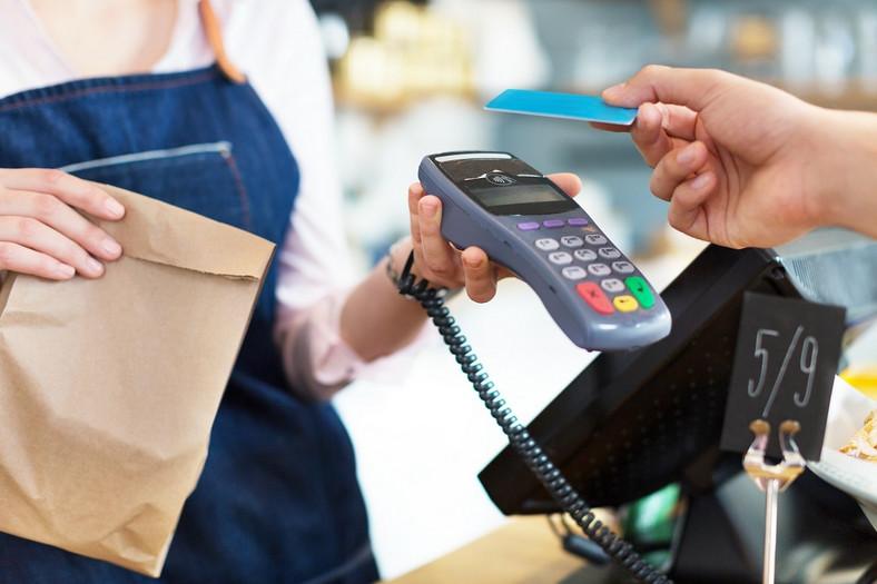 Płatności kartami są zabezpieczone na wielu poziomach