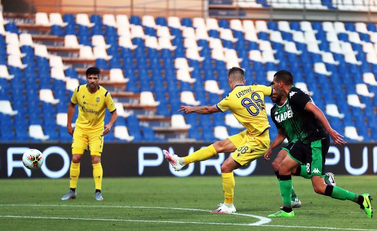 Darko Lazović postigao je fenomenalan pogodak protiv Sasuola u 28. kolu Serije A