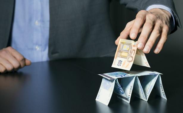 Średni roczny zysk firmy pożyczkowej na klienta wyniósł 54 zł.