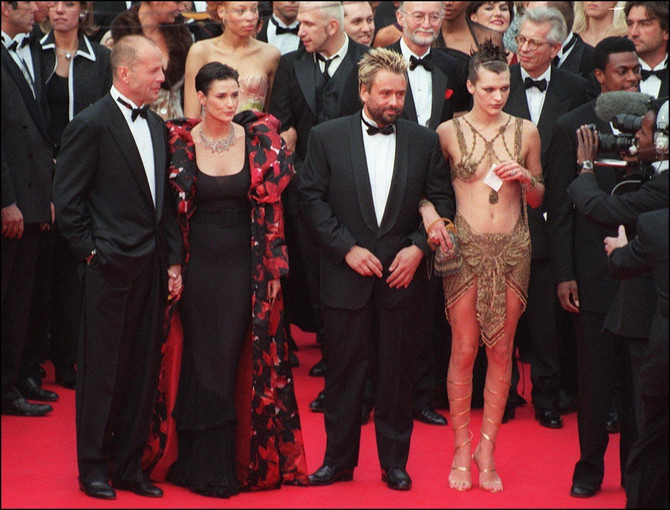 "Brus Vilis, Demi Mur, Lik Beson i Mila Jovović na promociji filma ""Peti element"" 1997. na Kanskom filmskom festivalu"
