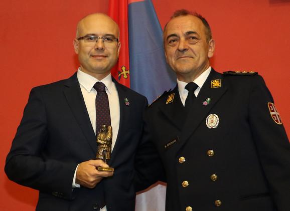 Gradonačelnik Novog Sada Miloš Vučević i načelnik Vojnomedicinskog centra