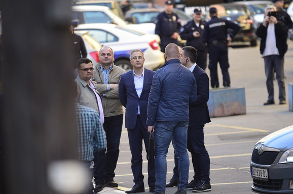 Nebojša Stefanović ispred policijske stanice