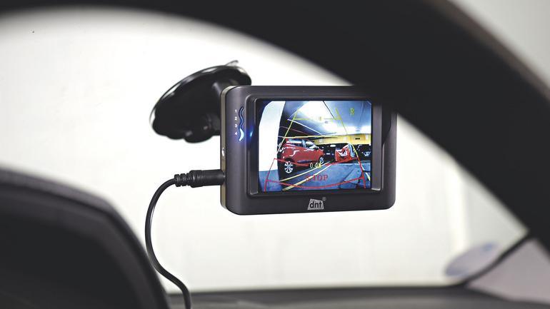 Montaż kamery cofania krok po kroku