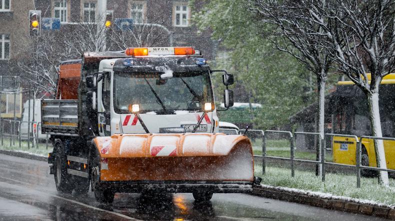 PSP: 1300 interwencji po opadach śniegu