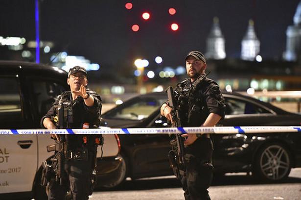 Społeczność muzułmańska zrobiła to, o co ją proszono, czyli uprzedziła o potencjalnym zagrożeniu ze strony niektórych swoich członków. To przeczy oświadczeniom polskich polityków i publicystów twierdzących, że brytyjscy muzułmanie albo poparli zamachy, albo nie chcieli ich osądzić