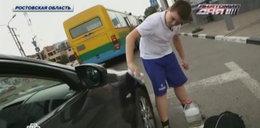 11-latek myje auta, by pomóc chorej matce