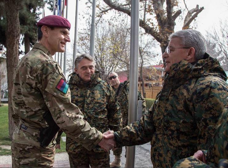 Komsic i Dzaferovic u vojnim uniformama 1