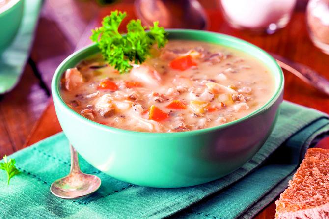 Šarena pileća čorba, najbolja kombinacij povrća i mesa