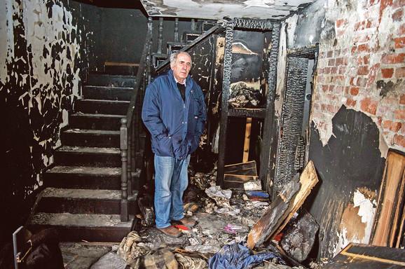 Paljenje kuće novinaru Žig infa Milanu Jovanoviću, prema optužnici, organizovao je Dragoljub Simonović, nekadašnji predsednik opštine Grocka