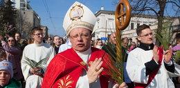 Biskup śle życzenia