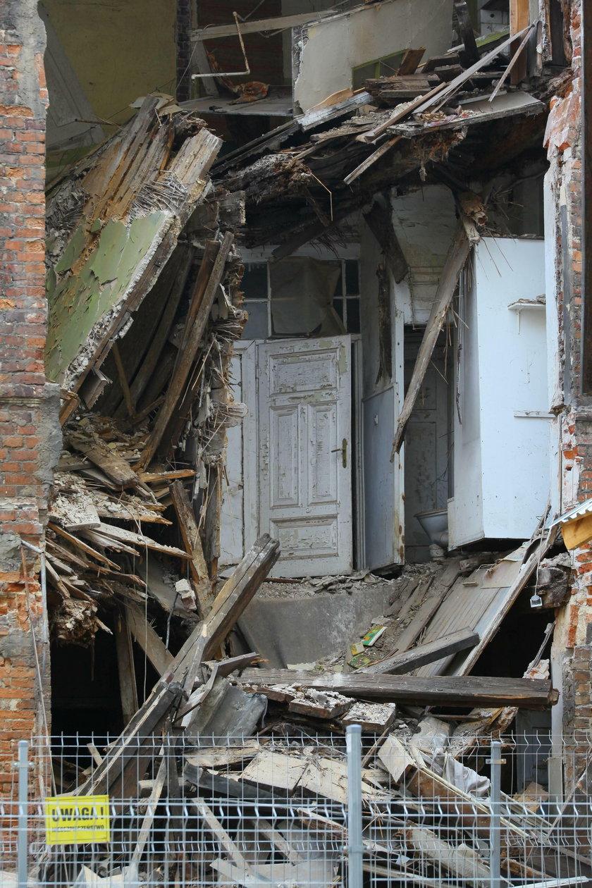 Zawaliła się kolejna część zabytkowej kamienicy przy Poznańskiej 21