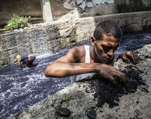 Rosjanie będą szukać ropy w Wenezueli - państwie upadłym i targanym wielkim głodem