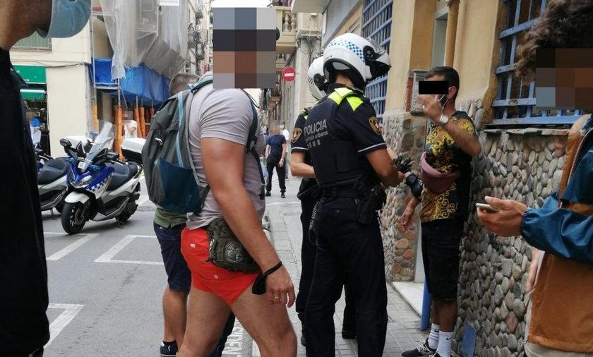 Pechowy złodziej z Barcelony. Chciał ukraść plecak turyście, ale trafił na polskich policjantów.
