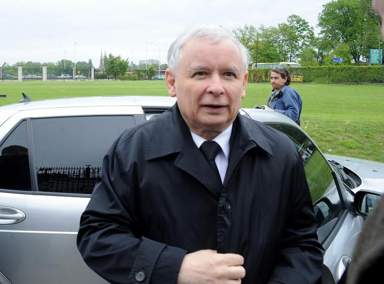 Jarosław Kaczyński pozbył się auta. Ale PiS zaliczył wpadkę