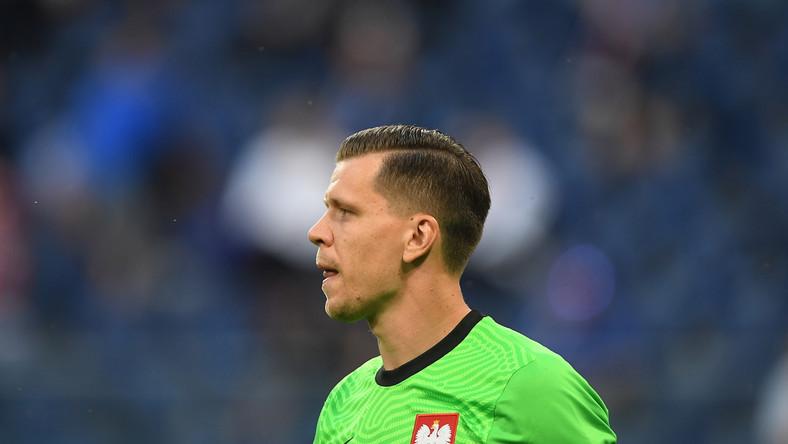 Wojciech Szczęsny w trakcie meczu Polski ze Słowakami w Sankt Petersburgu