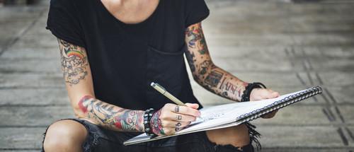 Tatuaże Fluorescencyjne Czyli Sposób By Błyszczeć Nawet W