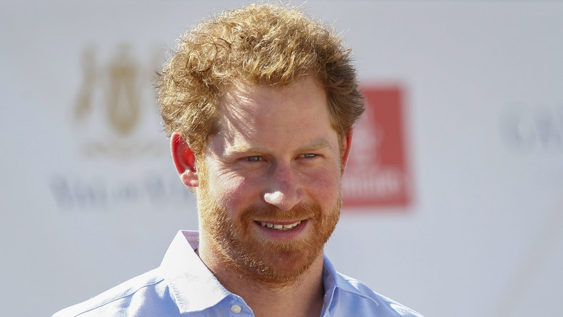 Choć jeszcze niedawno wieszczono koniec drwaloseksualizmu, to trend ten ma się nadal całkiem dobrze, a liczba jego zwolenników rośnie! Modzie na drwala uległ nawet książę Harry… W końcu broda dodaje męskiego uroku.