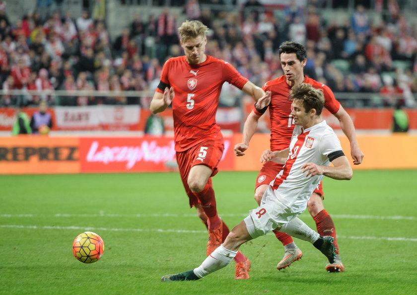 Czesi nie rozpaczali po porażce, 15 minut po meczu odwiedziły ich piękne panie!