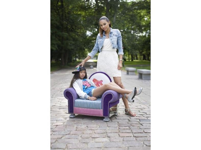Omenaa i Venessa Mensah w reklamie butów Croolewna