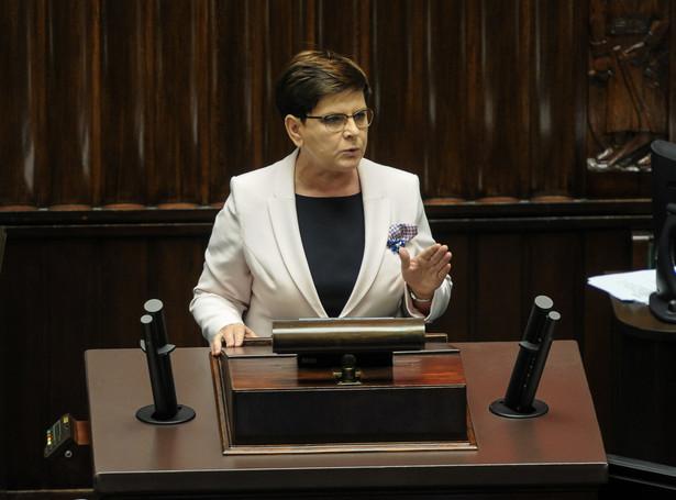 16 listopada minie rok od zaprzysiężenia rządu Beaty Szydło. Sama premier ogłosiła, że przyszedł czas na zmiany: i personalne, i systemowe