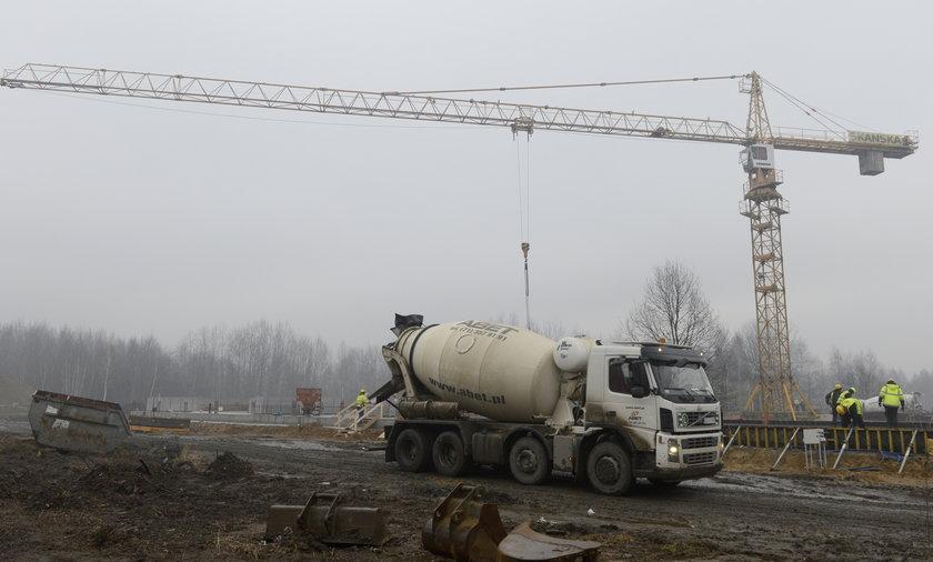 Szkoła - gigant powstaje na Stabłowicach