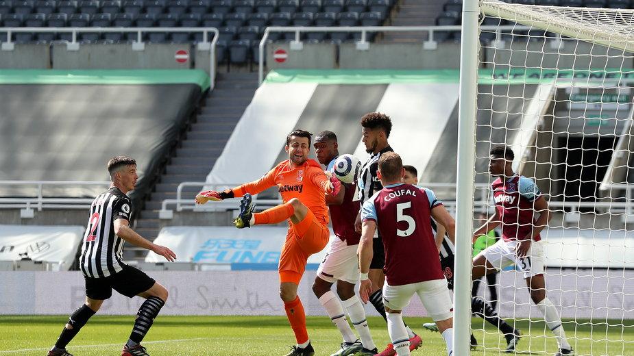 Wpadka Łukasza Fabiańskiego w meczu Newcastle - West Ham