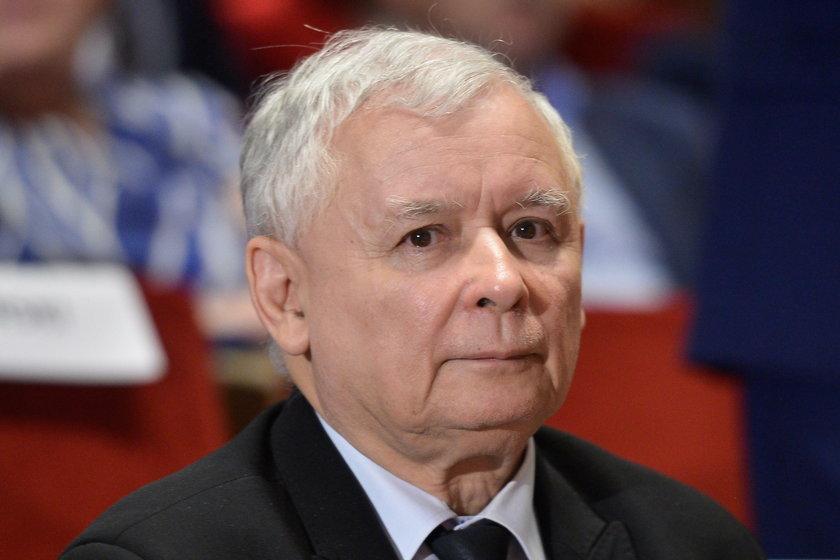 """""""Pamiętam rozmowę z Jarosławem Kaczyńskim, kiedy miałam zostać szefową jego kampanii. Powiedział mi wtedy: Nie wiem, co się wydarzyło i nie wyobrażaj sobie, że ja myślę, że to był zamach pod Smoleńskiem"""" - powiedziała w rozmowie z Radiem ZET Joanna Kluzik-"""