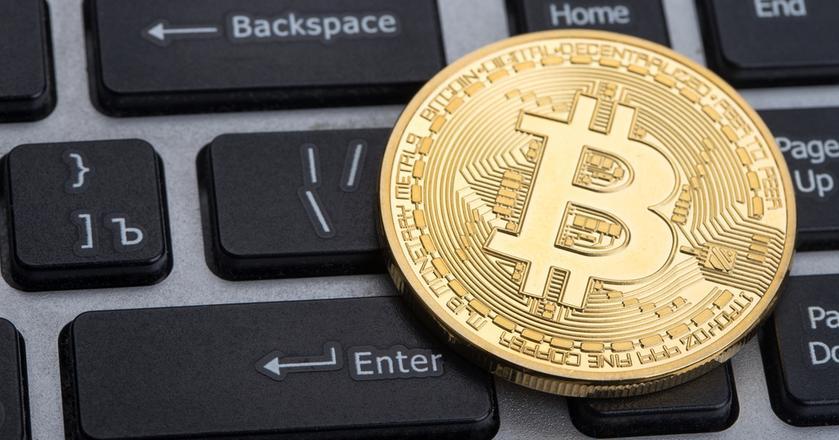 """Kryptowaluty to """"tylko"""" aplikacje zbudowane na blockchainie - bitcoin nie ma innych zastosowań"""