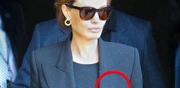 Ale wpadka! Plamy na kreacji Jolie