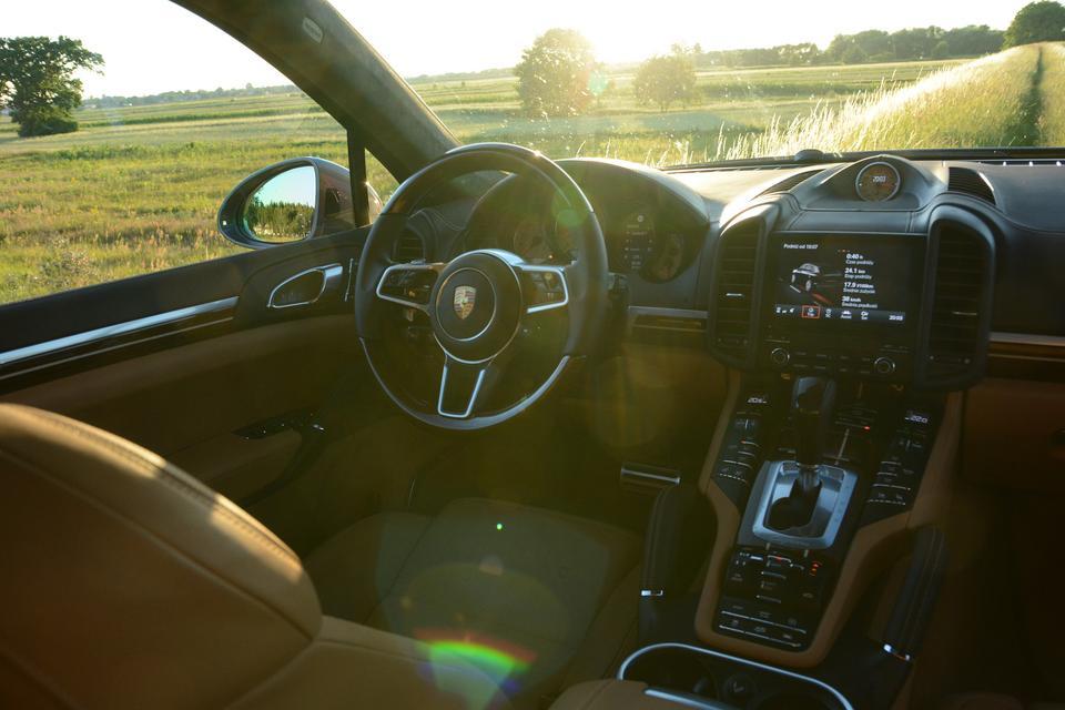 Porsche Cayenne S - szybki, luksusowy i ... bardzo drogi