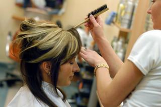 Wzburzenie zbytnim skróceniem włosów przed ślubem jest zrozumiałe