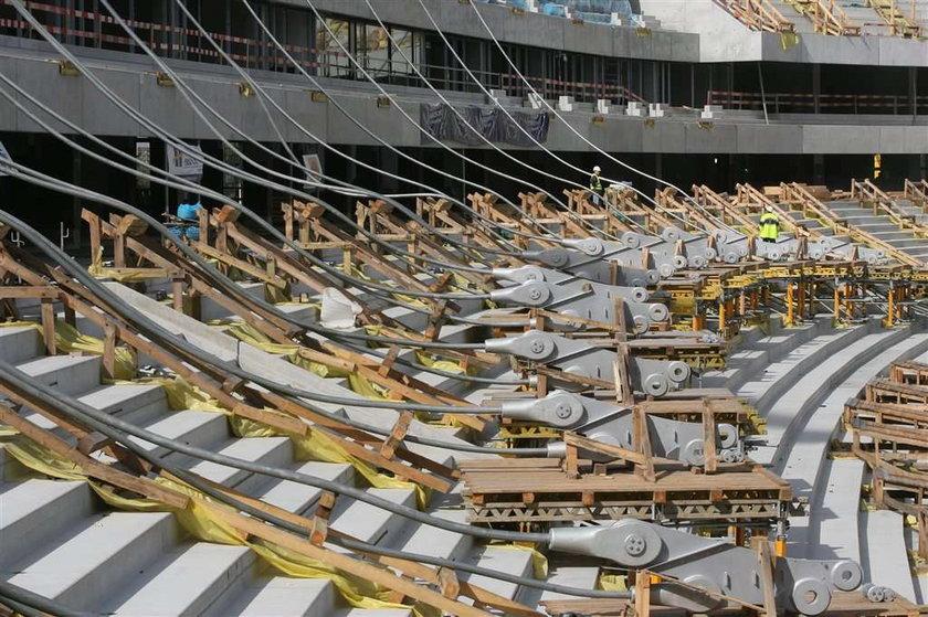 Tak rośnie Stadion Narodowy