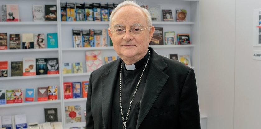 Arcybiskup Hoser w szpitalu. To powikłania pocovidowe