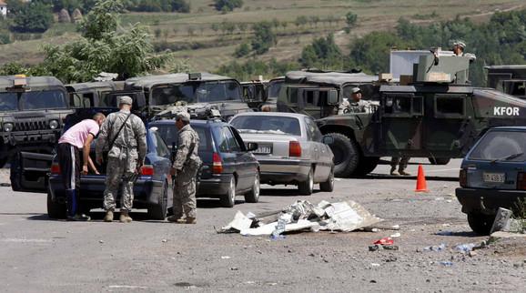 Srbi najavljuju građanski otpor novim odlukama: Administrativni prelaz