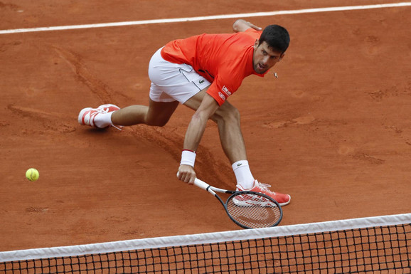 Novak Đoković je morao pošteno da se naradi ne bi li osvojio prvi set protiv Jana Lenarda Štrufa
