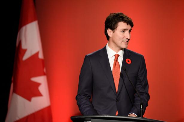 """Dwie zachodnie prowincje kraju - Alberta i Saskatchewan - ustawicznie podkreślają, że chcą """"zredefiniować swoje miejsce w kanadyjskiej konfederacji"""". W mediach społecznościowych funkcjonuje hasztag #wexit."""